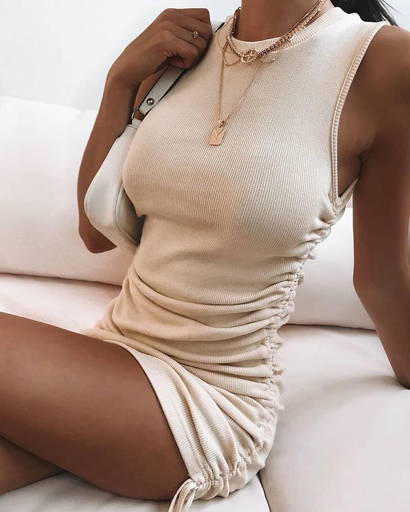 sleeveless dress.jpg