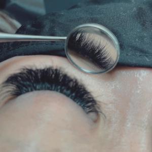 eyelash-extesions-10